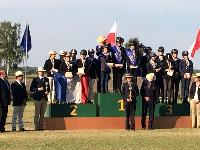 Photo n° 38257 SCHILDAU Chpt d'Eu Juniors Le podium par équipe - photo Didier Cressent Affichée 30 fois Ajoutée le 25/09/2016 17:26:02 par JeanClaudeGrognet  --> Cliquer pour agrandir <--